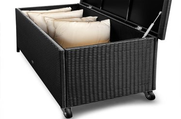 rollbare garten auflagenbox rattan sch ne rattan auflagenbox. Black Bedroom Furniture Sets. Home Design Ideas
